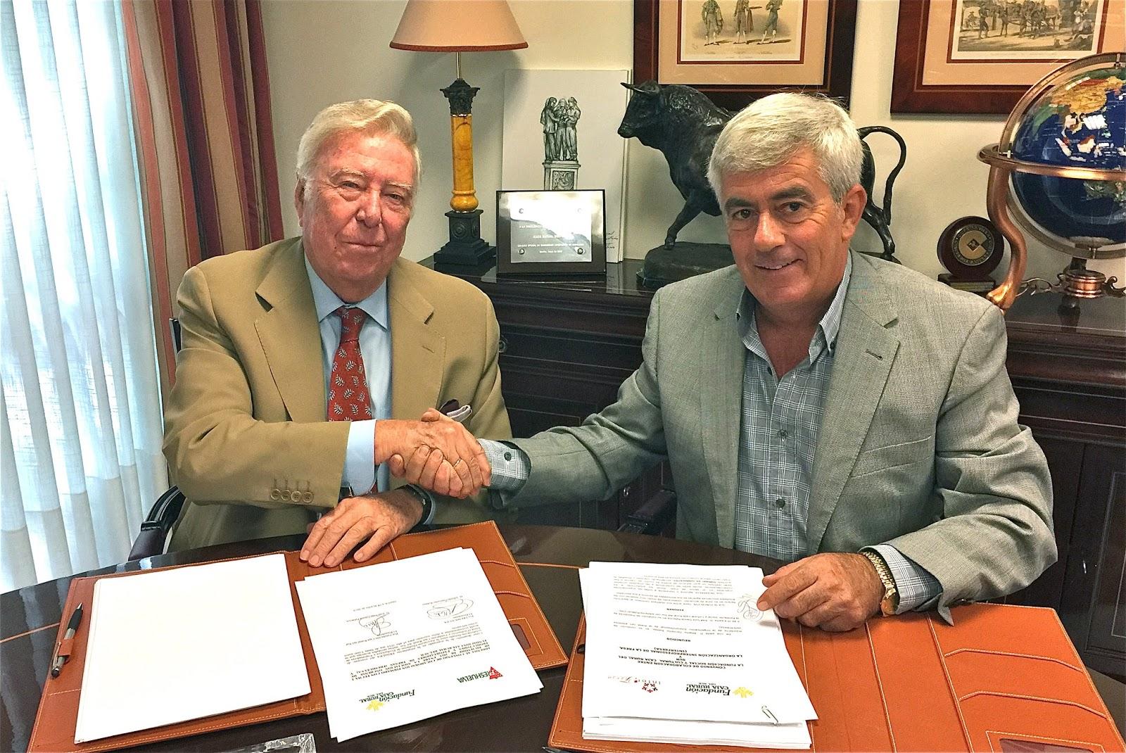 Fundación Caja Rural del Sur apoya al sector productivo de la fresa con la firma de dos convenios con Interfresa y Freshuelva