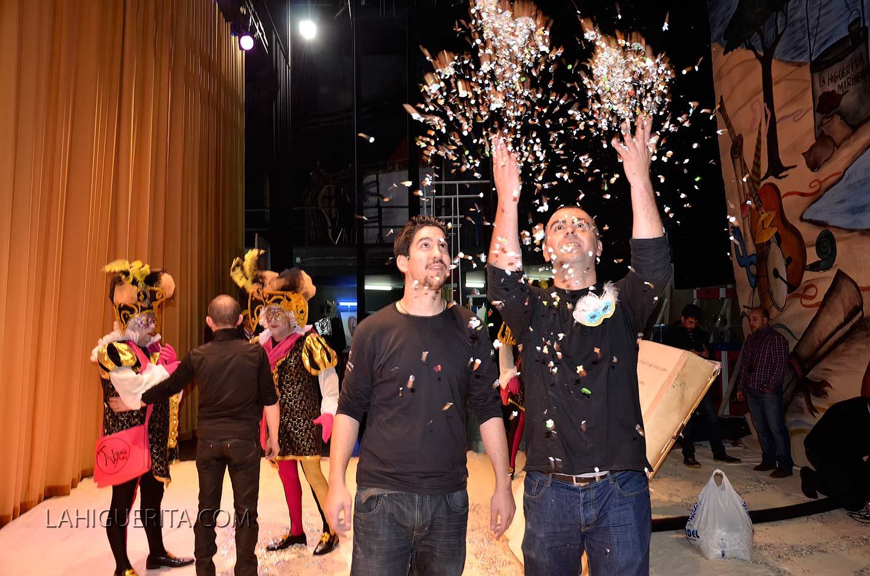 Fotografiás variadas dentro del Teatro Horacio Noguera en el Carnaval de Isla Cristina