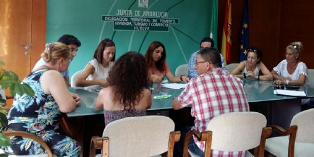 """La Junta muestra su """"apoyo"""" a los trabajadores del hotel Asur de Islantilla"""