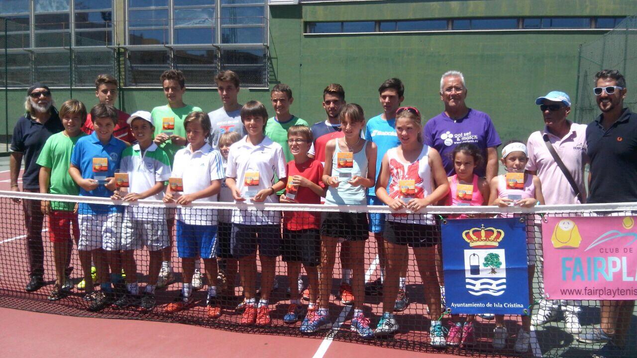Éxito de participación en el VIII Torneo de tenis