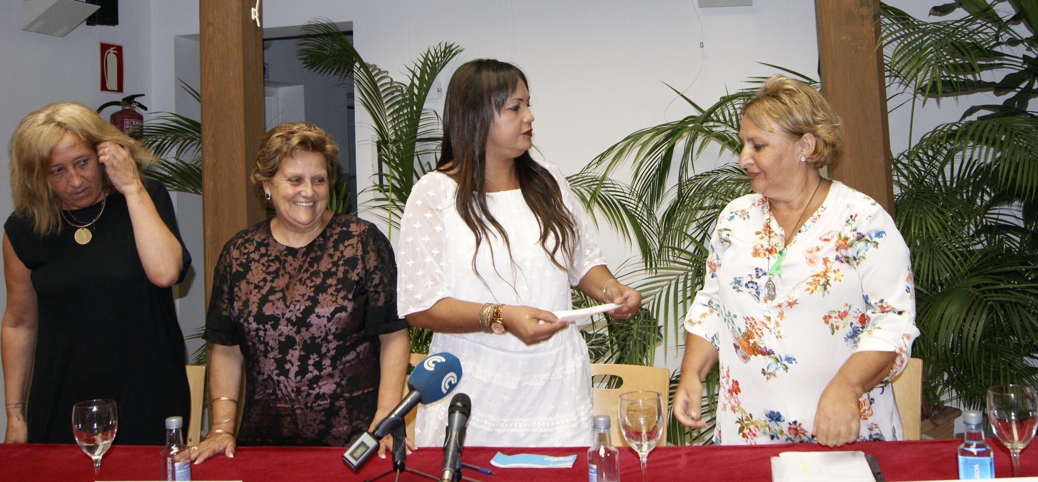 Entregado a la Junta Local de la AECC parte de lo recaudado en la V Noche Dorada organizada por Joyerías Karin Coll