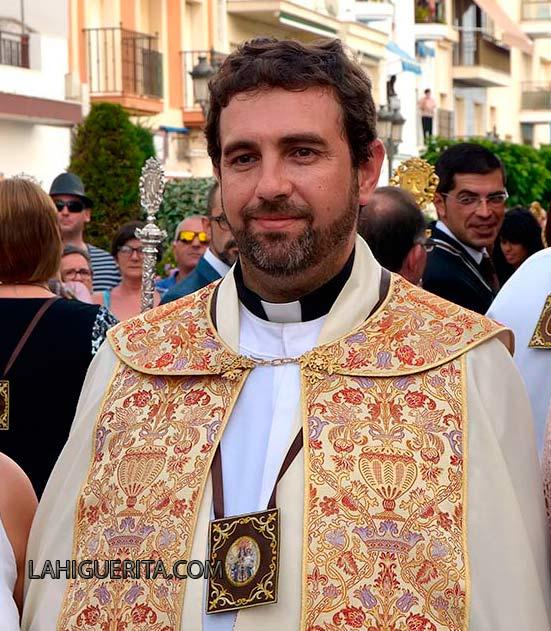 Deseamos que no se nos marche nuestro Sacerdote Carlos Javier