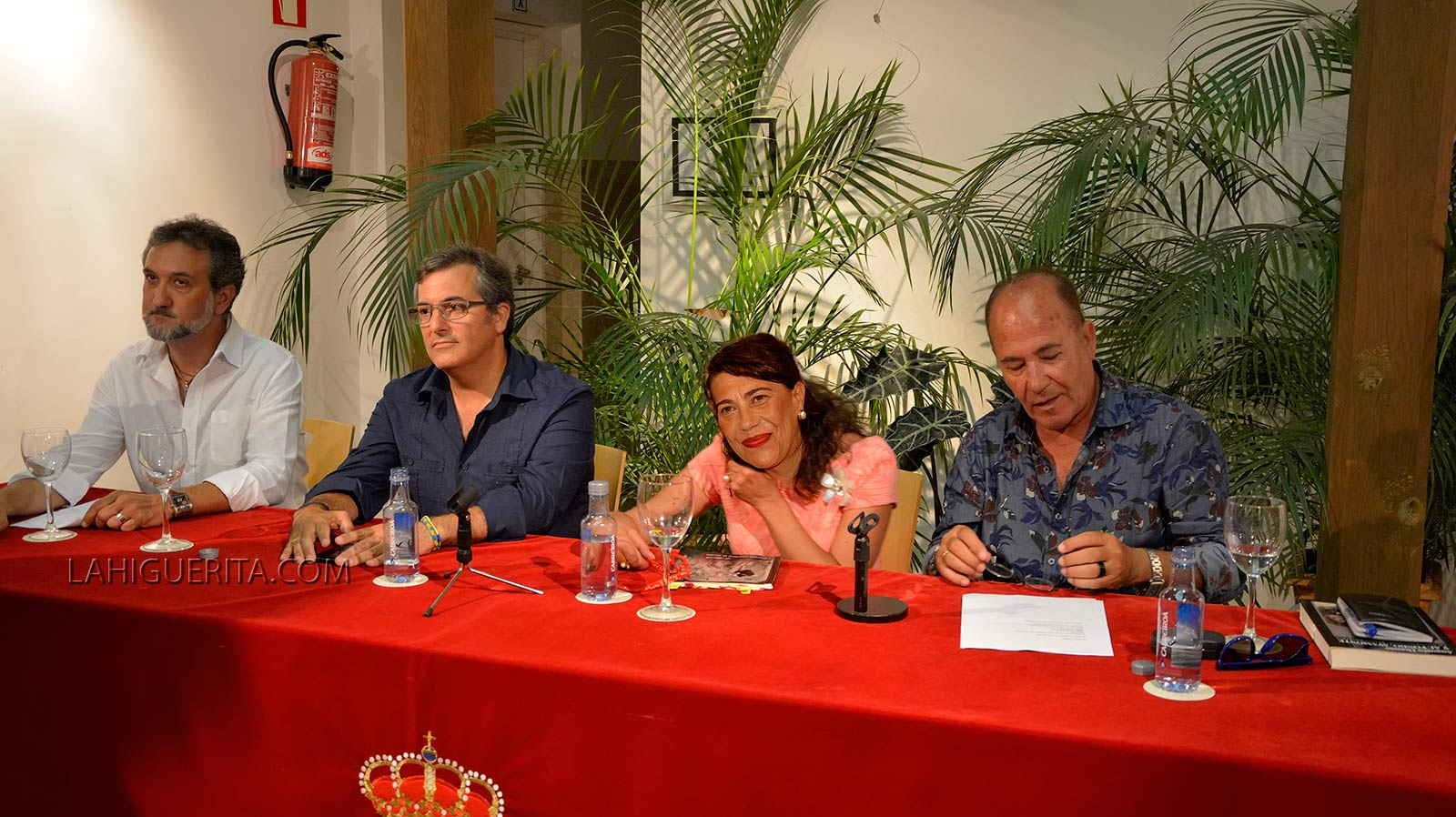 No pongas Nombre al Olvido, nuevo poemario de María Luisa Domínguez Borrallo, presentado anoche en Isla Cristina