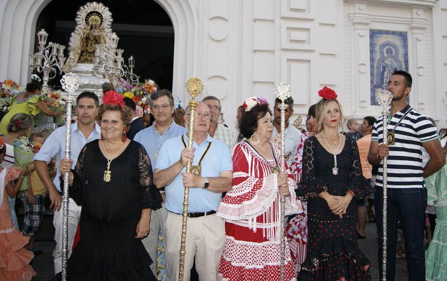 Multitudinaria Ofrenda a la Virgen del Carmen de Isla Cristina
