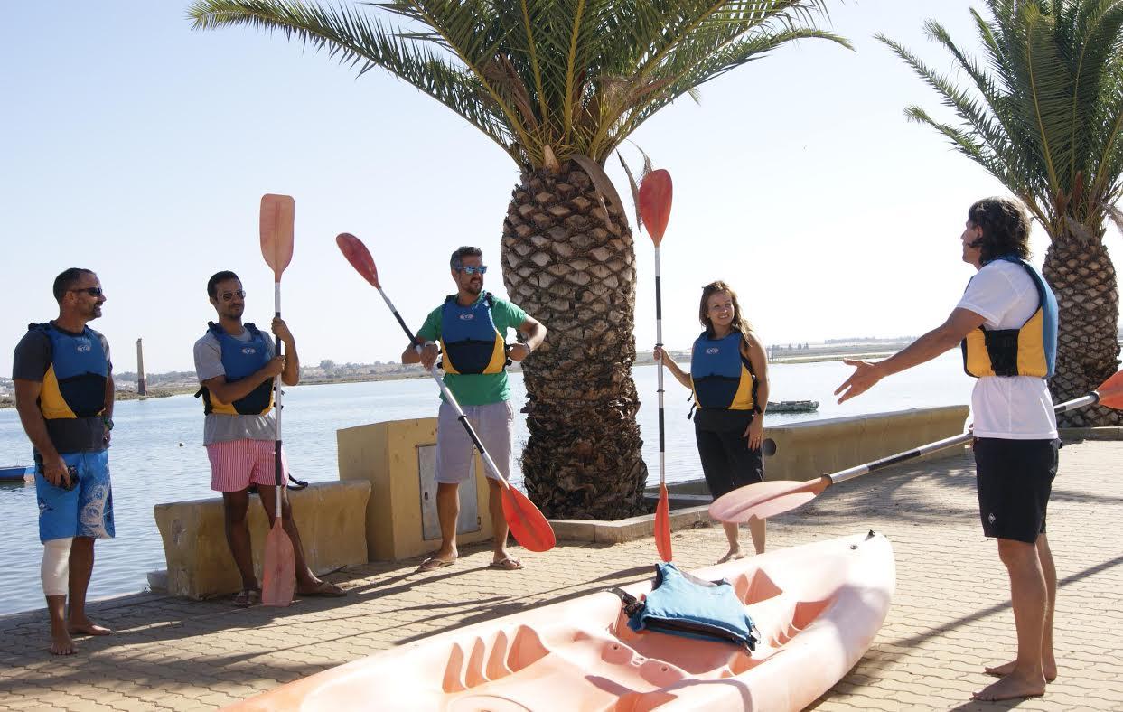 El Servicio Municipal de Deportes ponen en marcha una ruta para conocer las marismas y las playas de la localidad