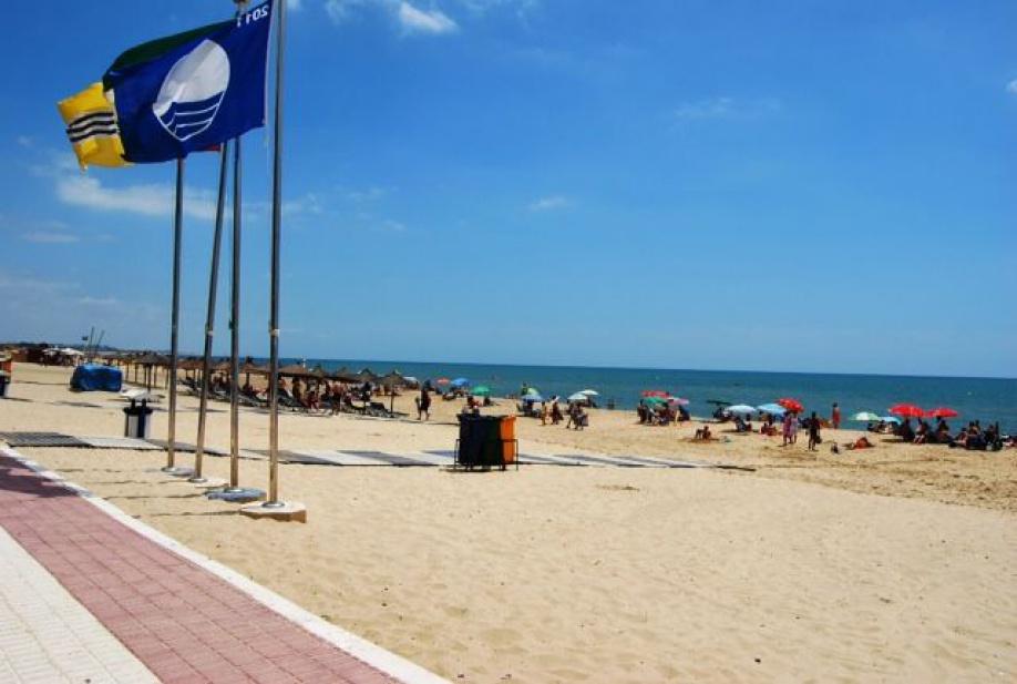 Las aguas de las playas de Isla Cristina sigue presentando unas adecuadas condiciones sanitarias