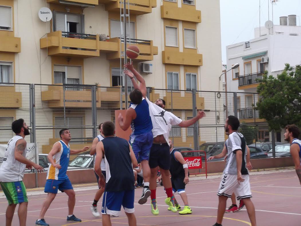 Primera Jornada en Isla Cristina del Torneo Internacional de Baloncesto