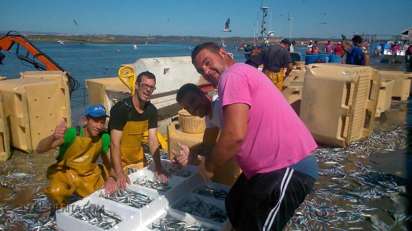 Pescadores de Isla Cristina creen que el acuerdo por la cuota del boquerón da