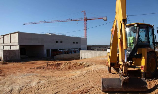La Junta lamenta que el Ayuntamiento de Lepe no cumpla con su compromiso de urbanizar el entorno del Chare