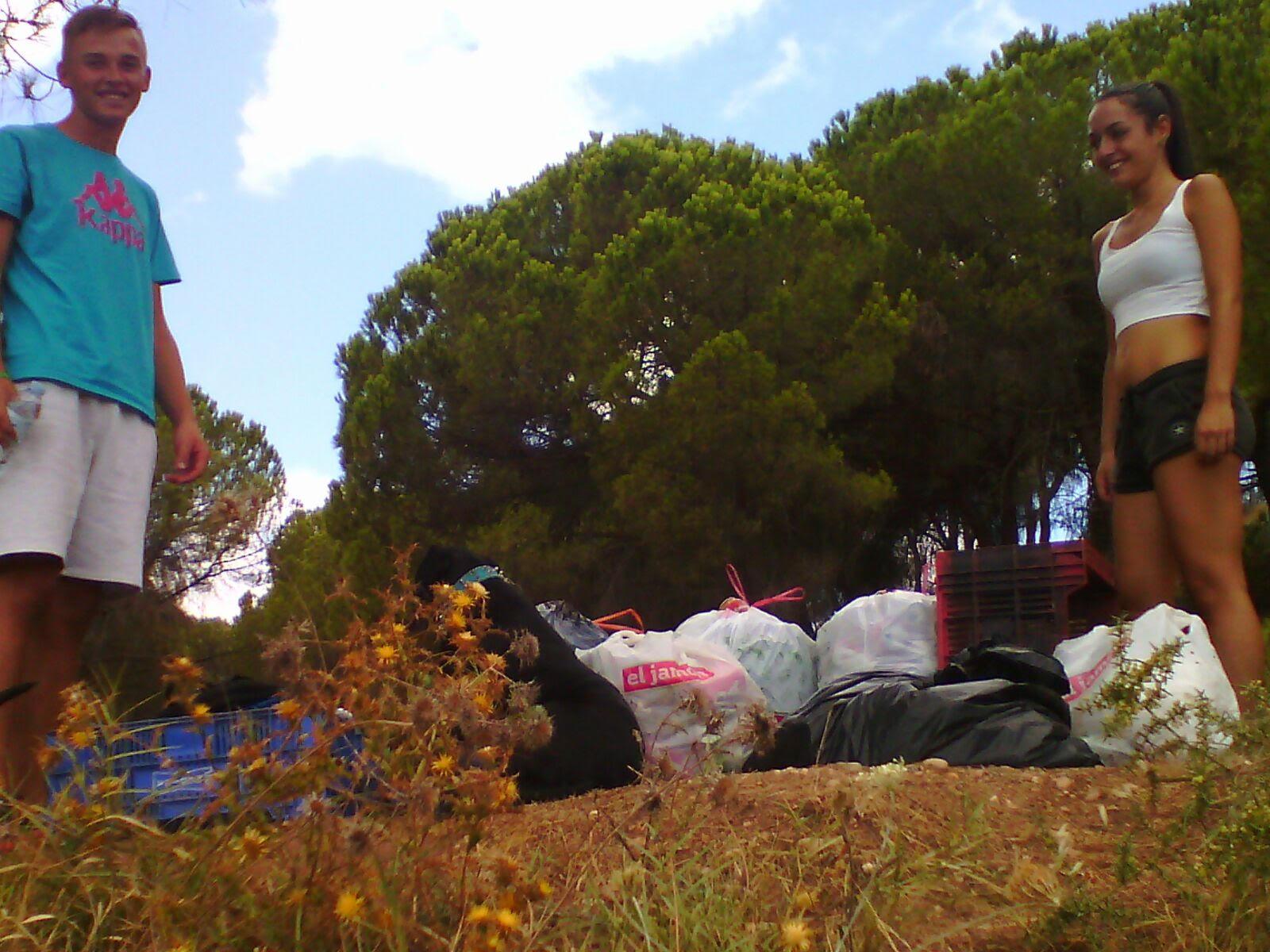 Iniciativa Juvenil para la limpieza y la conservación en La Redondela