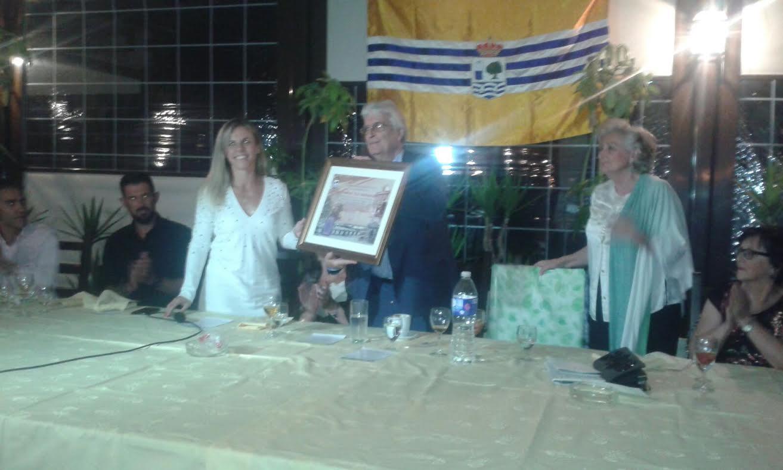 El Periodico La Higuerita recibe el galardon de Isleño del Año otorgado por la Asociación Amigos de Isla Cristina en Madrid