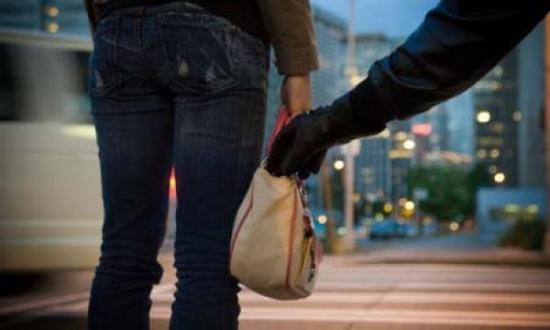 Detenida por el robo de un bolso con tirón en Isla Cristina