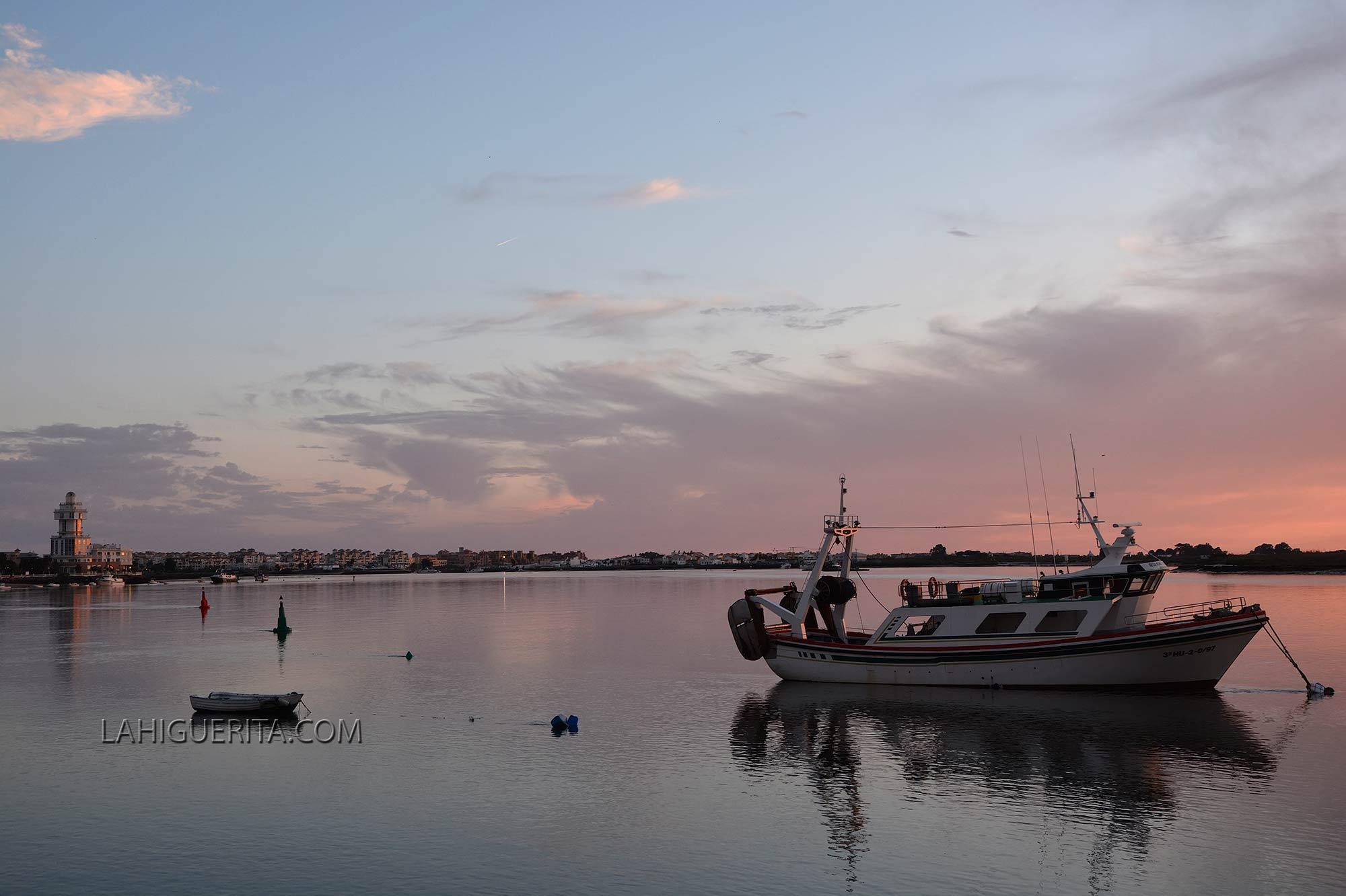 Las 41 embarcaciones del sector del arrastre de Isla Cristina comienzan este jueves una parada biológica