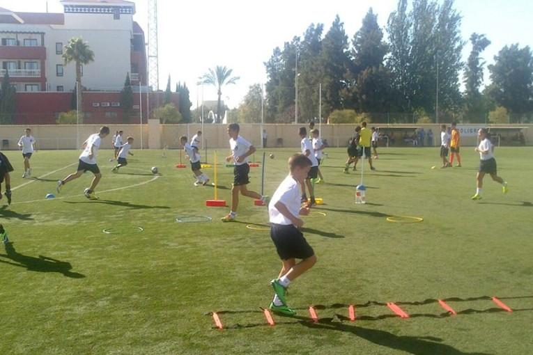 Gran jornada futbolera organizada por el Isla Cristina F.C.