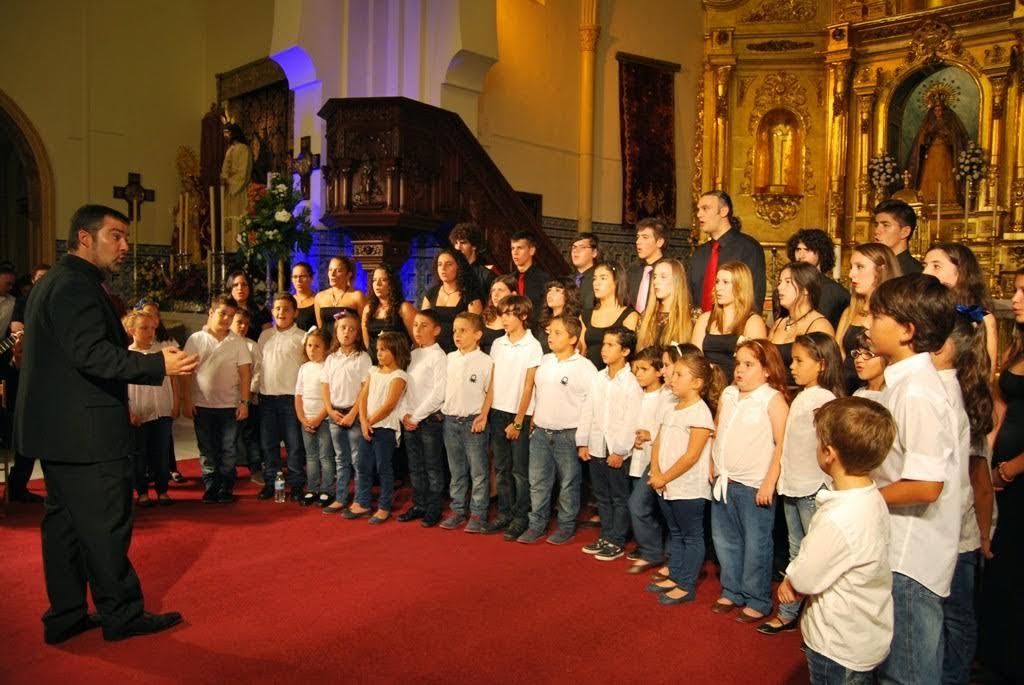 José Antonio Jara dirige el Coro de Voces Blancas