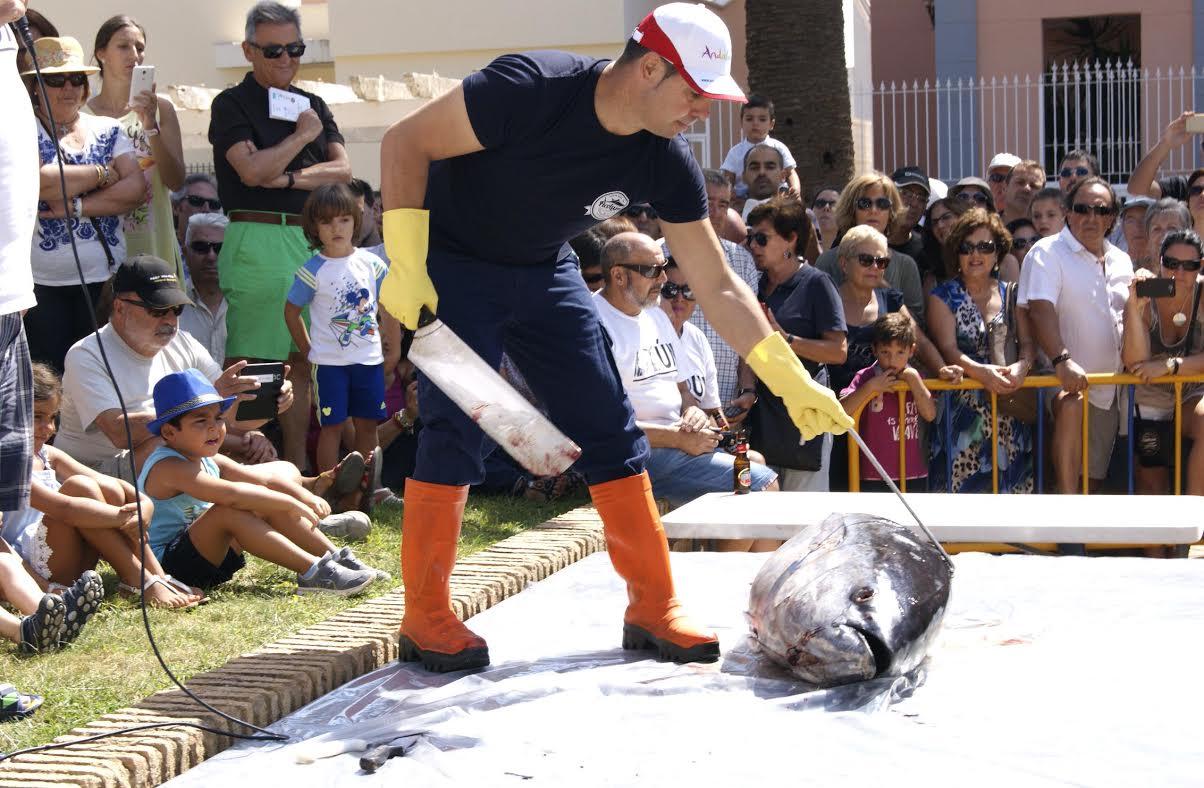 El Ronqueo de un Atún da comienzo a los Encuentros de Capitanes de Almadraba en Isla Cristina