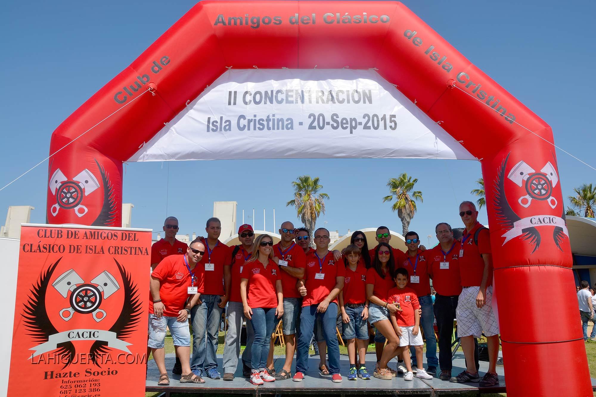 Celebrada la II Concentración de Vehículos Clásicos en Isla Cristina