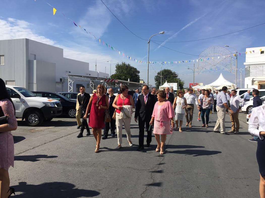 La Alcaldesa de Isla Cristina asiste a la inauguración de la Feria Agrícola de Cartaya