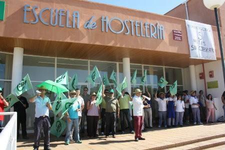 Los Trabajadores de la Escuela de Hostelería de Islantilla Cobran sus Nóminas Pendientes