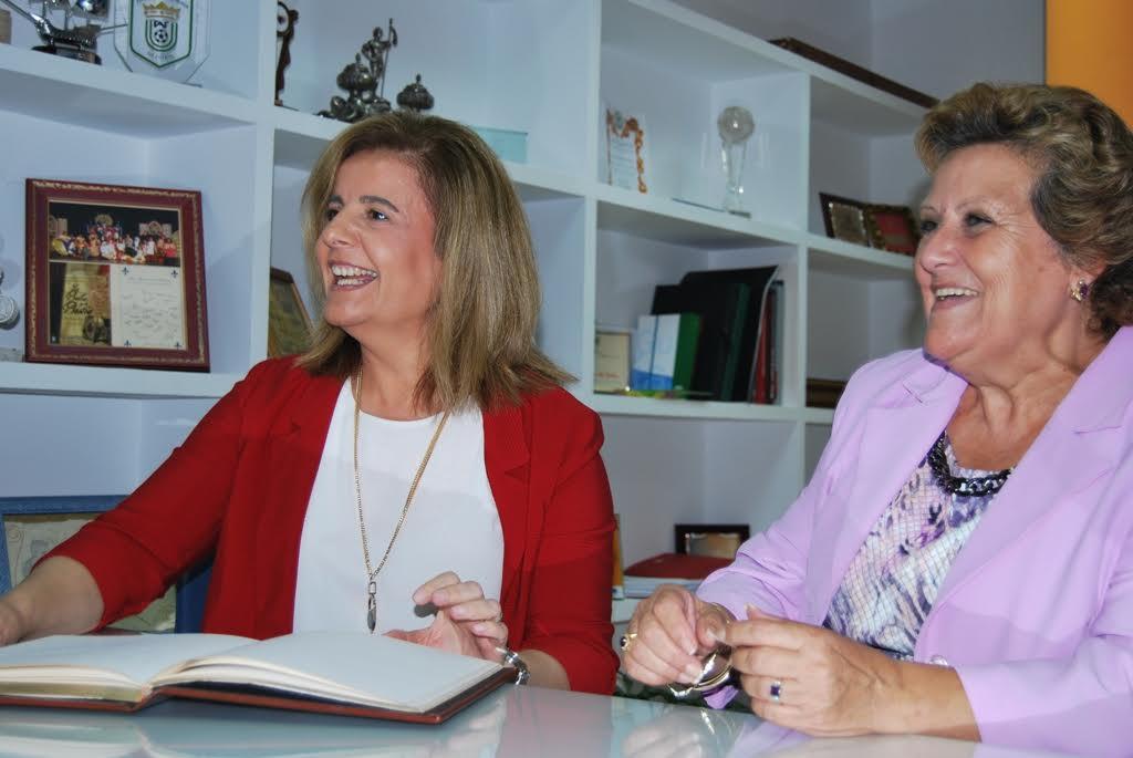La Ministra de Empleo, Fátima Báñez gira visita oficial a Isla Cristina