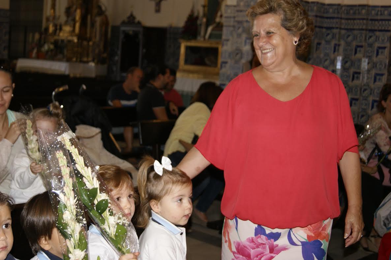 Los pequeños isleños, protagonistas de la Ofrenda de Flores a la Virgen del Rosario