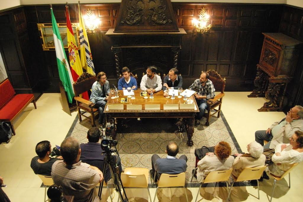 Presentado en Isla Cristina un poemario de jóvenes poetas onubenses