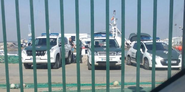 Registro de un pesquero con droga en el puerto de Isla Cristina