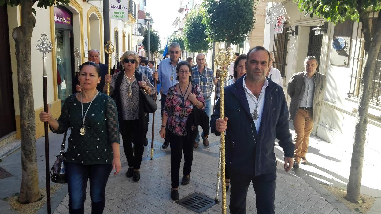 La Hermandad del Rocío de Isla Cristina acompaña a la de la Bella en su peregrinar