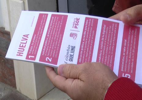 El Partido Socialista da a conocer su programa en las calles de Lepe e Isla Cristina