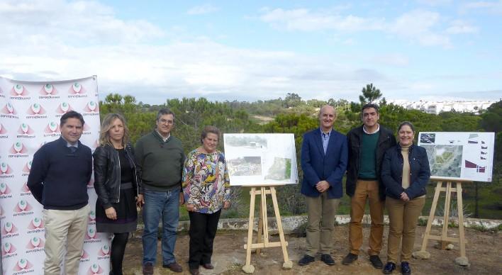 Islantilla coloca la primera piedra para la construcción de un nuevo parque