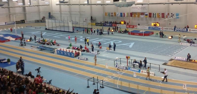 La Cantera Onubense Compite en el Campeonato de Andalucía Juvenil (800-1500-3000) en Pista Cubierta