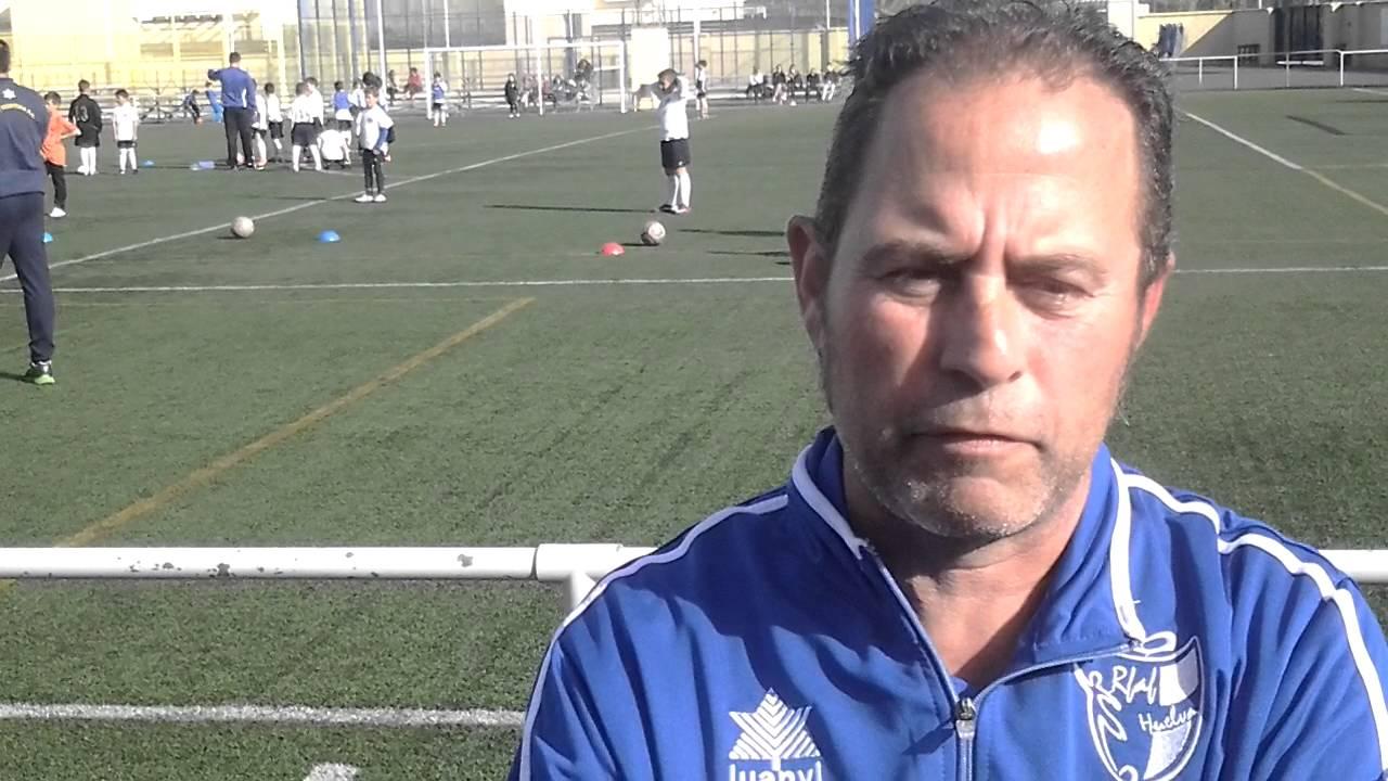 La selección cadete del técnico isleño Manolo Vaz entrena en isla