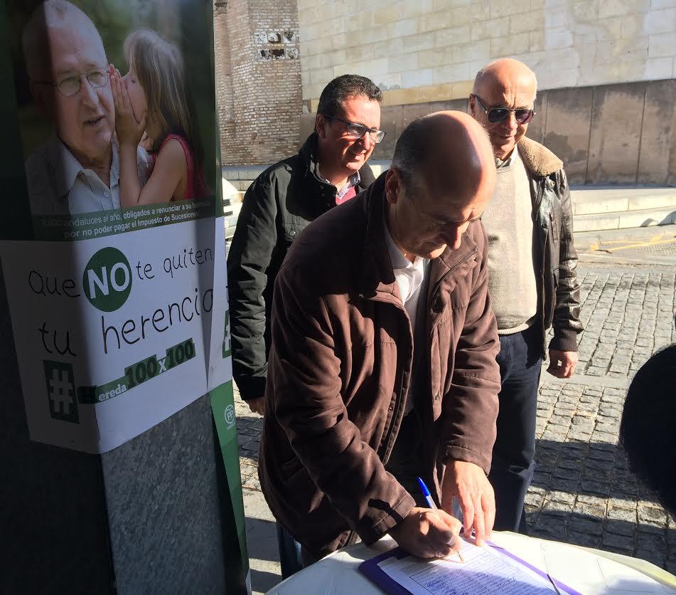 El PP de Lepe consigue más de 700 firmas para la campaña #Hereda100x100