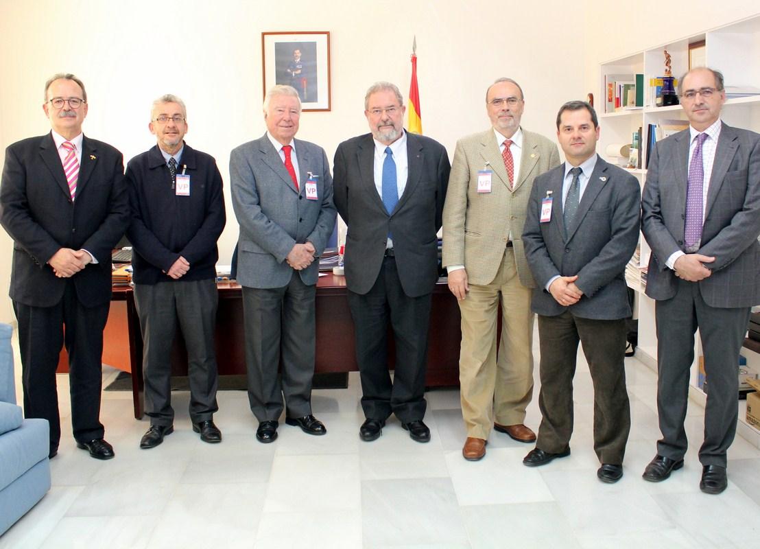 El INTA informa a directivos de la Asociación 'Huelva Potencia Económica' que en pocos meses estará el proyecto CEUS (drones) en marcha