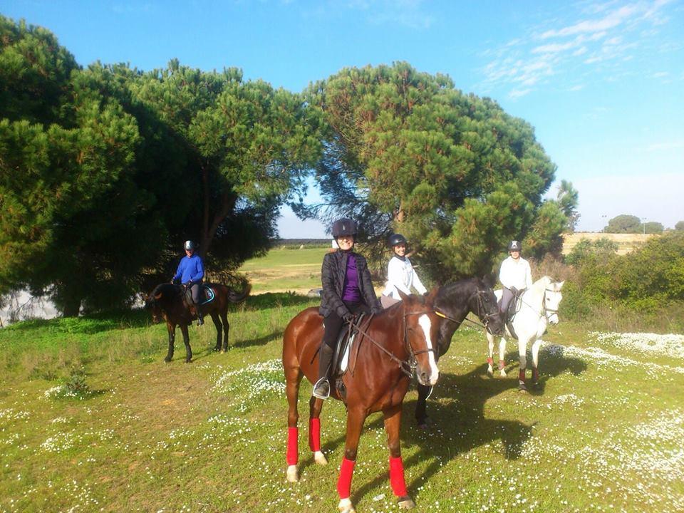 Taller de equitación para el 'Sábado Deportivo de Islantilla' del mes de marzo.