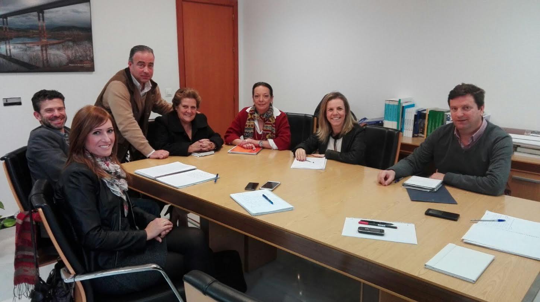 El Ayuntamiento isleño mantiene un encuentro con la Junta para tratar el estado de las obras de eliminación de vertidos en las Marismas de Isla Cristina