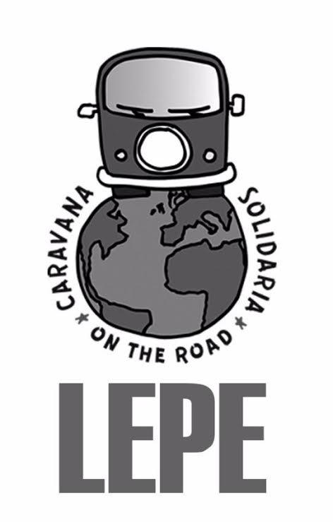 La caravana solidaria de Lepe destinada a los refugiados sirios partió ayer con destino Grecia