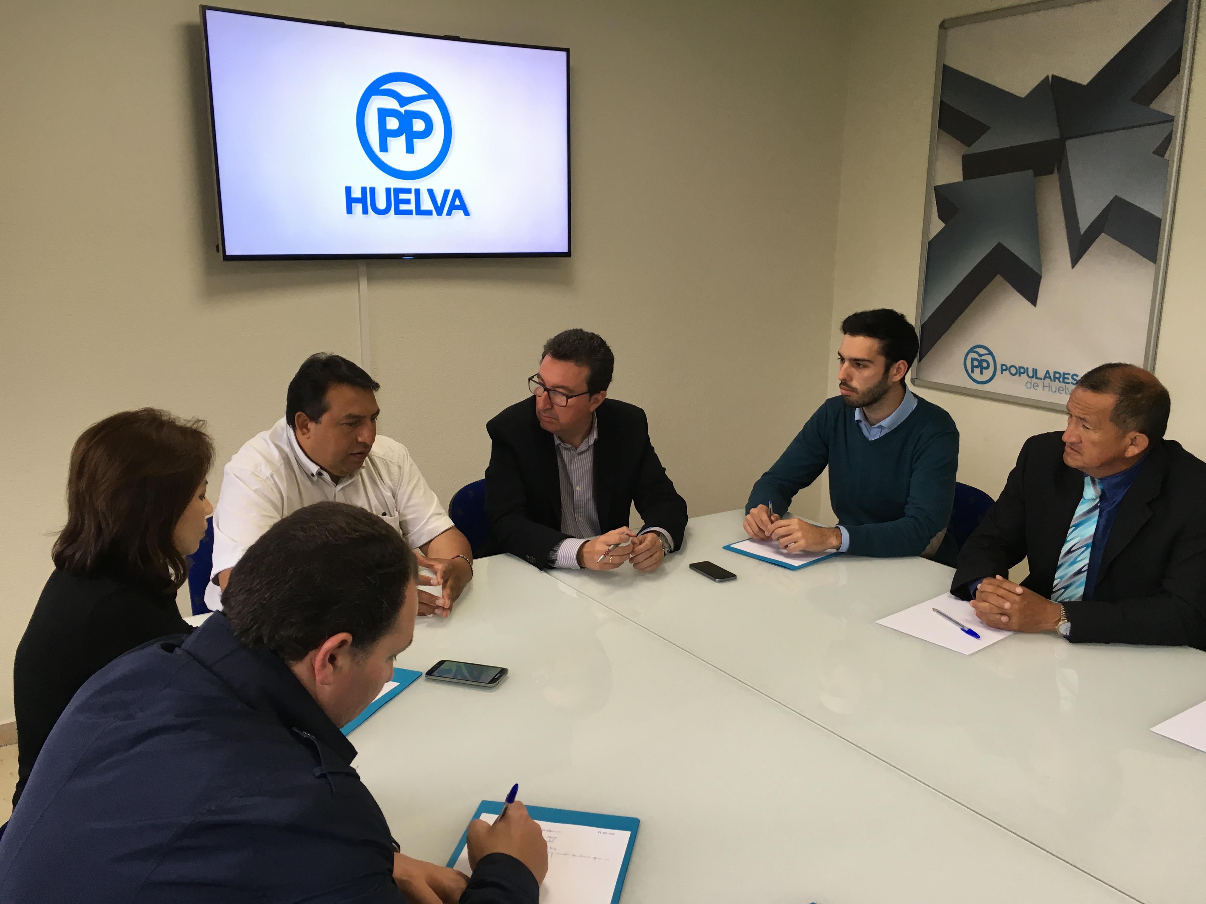El PP muestra su solidaridad con Ecuador y ofrece su colaboración a sus representantes en Huelva