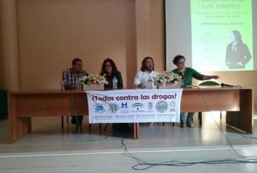 Charla en ARATI sobre como prevenir el consumo de drogas en los jóvenes