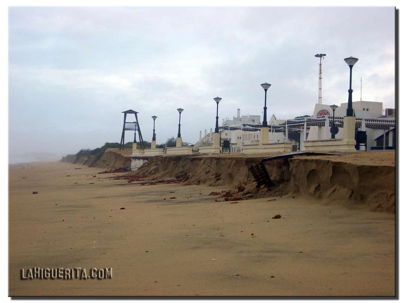 MAGRAMA habilitará un fondo para reparar los daños del temporal en las playas de Isla Cristina