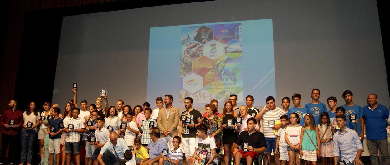 Isla Cristina rinde homenaje a sus deportistas