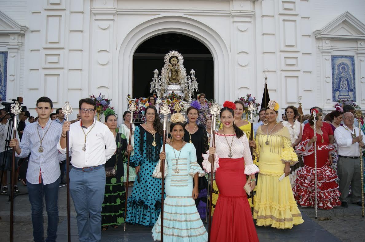 Ofrenda de flores de la Hermandad del Rocío de Isla Cristina a la Patrona de los Marineros