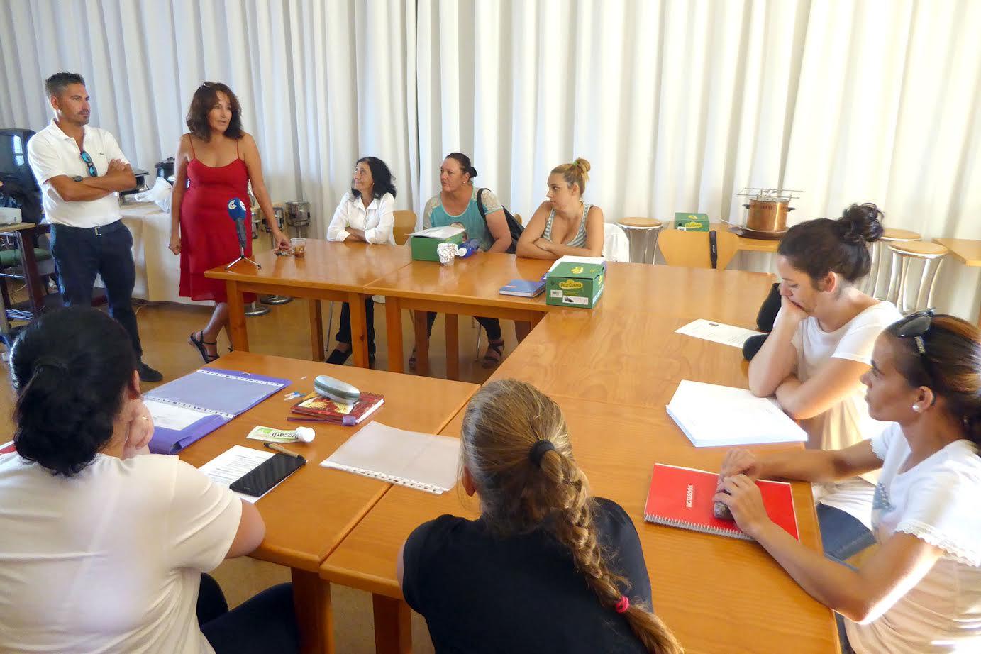 Visita al CEFO con motivo de las prácticas del curso de formación de Cáritas en Islantilla