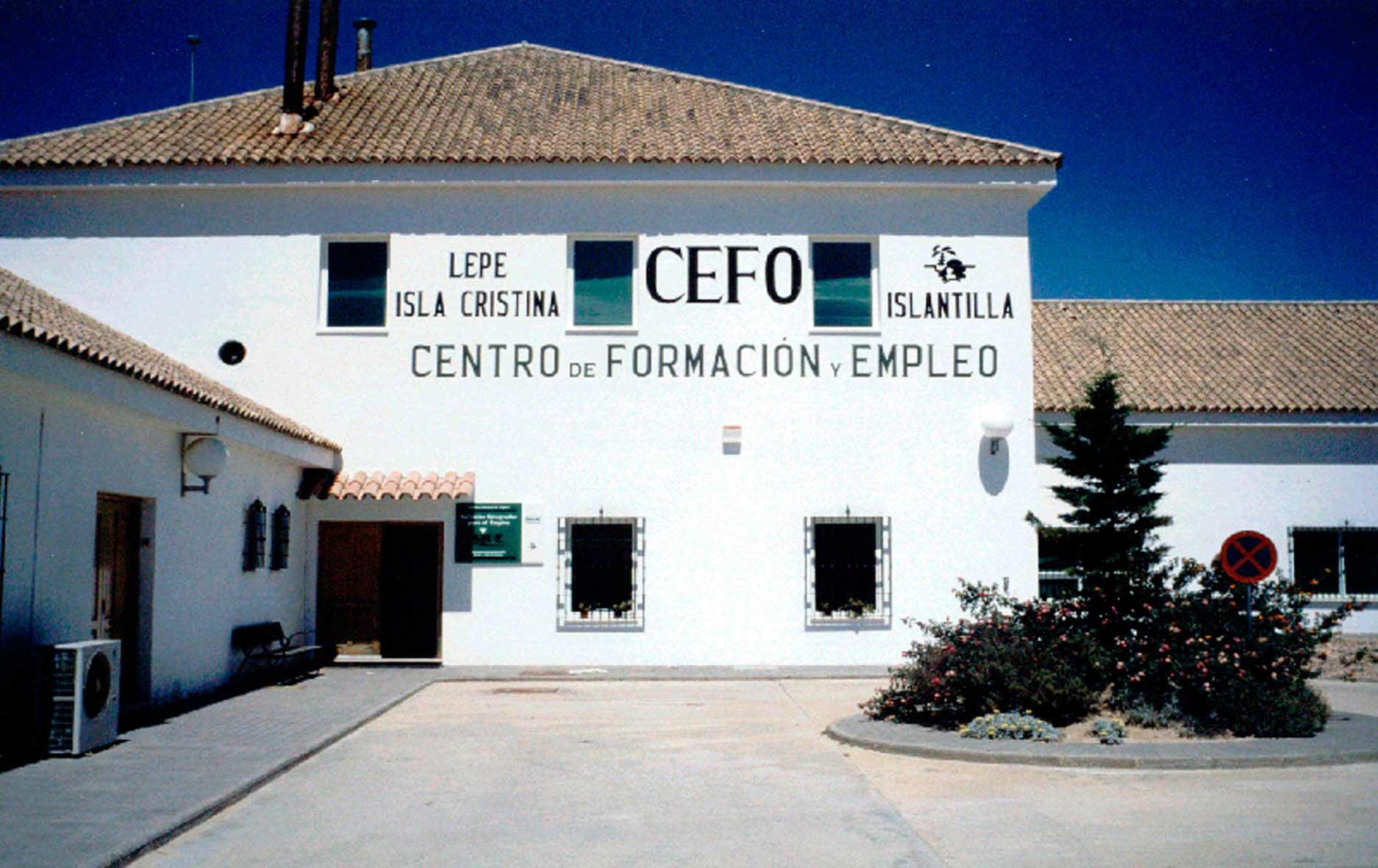 Visita al CEFO con motivo de las prácticas del curso de formación de Cáritas