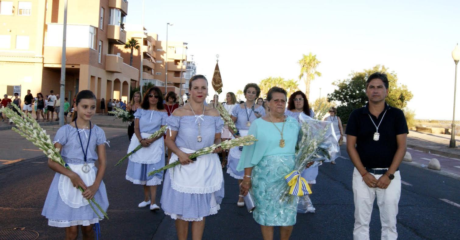 Ofrenda de Flores y Alimentos a la Virgen del Mar