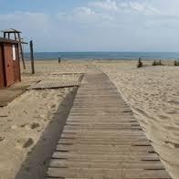 Fallece un hombre mientras se bañaba en la playa de La Redondela