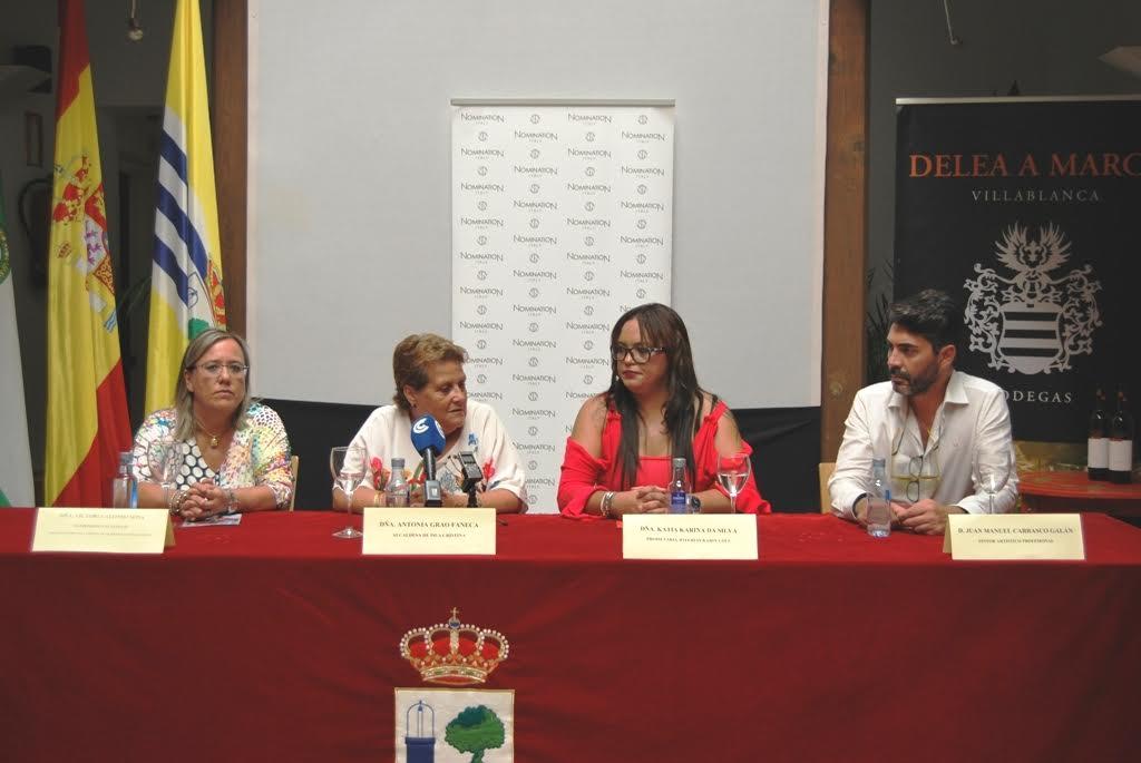 La alcaldesa isleña y Karin Coll presentan la VI Noche Dorada