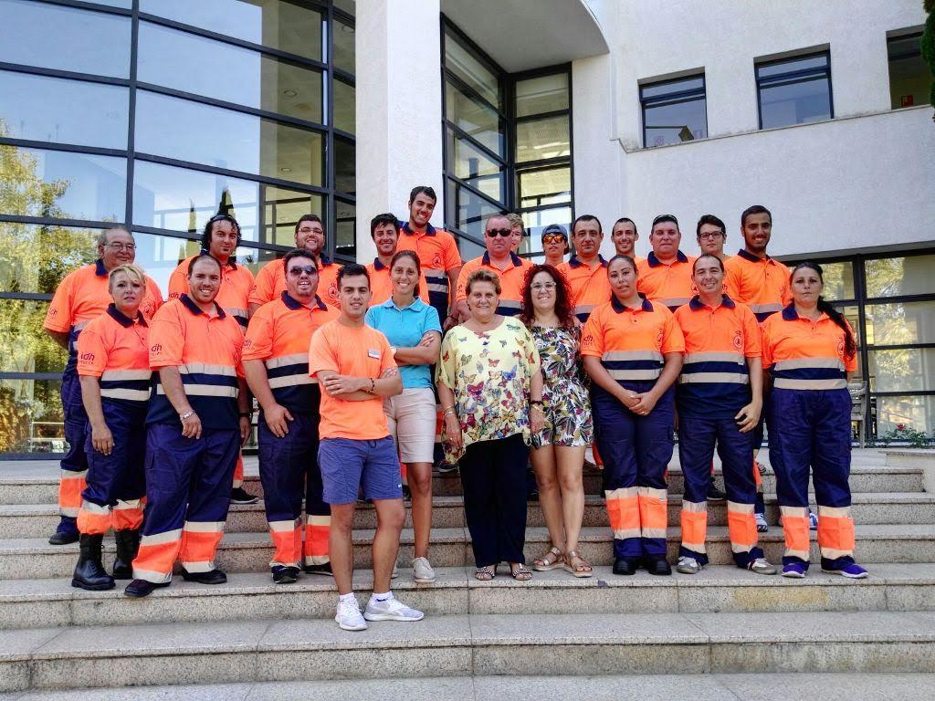 La Alcaldesa isleña agradece a ADH Hoteles la donación de los uniformes para Protección Civil