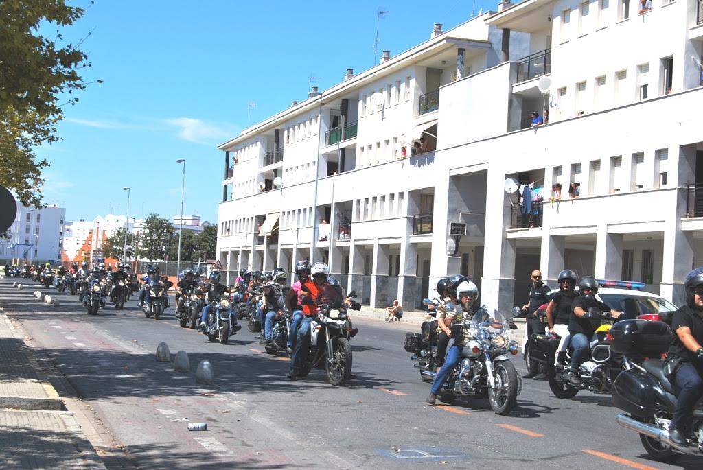 La Ruta motera de La Sal hace parada en Isla Cristina antes de continuar su ruta por la costa