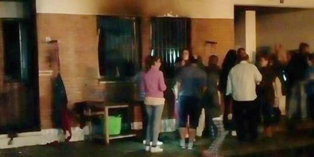 Incendio en un bloque de viviendas en Isla Cristina